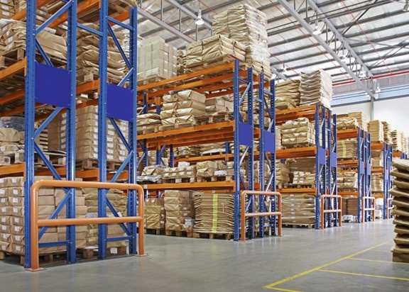 Used-pallet-racking-with-loaded-products